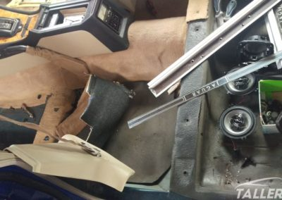 Desmontaje interior - Restauración Jaguar XJ