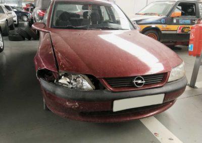 Opel Vectra - golpe frontal - siniestro total