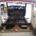Interior completamente desmontado VW Escarabajo clásico en Cartagena, Murcia