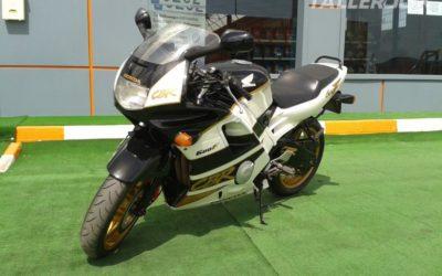 Restauración moto Honda CBR '92