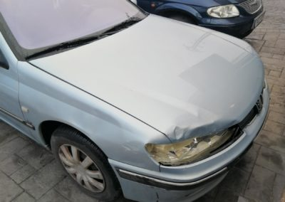 Peugeot 406 golpe frontal